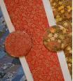 miroir de poche - délicatesse florale doré sur fond rouge