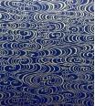 fluidité ondoyante - doré sur fond bleu marine