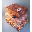 grande boîte recouverte de chiyogami aspect froissé - teinte rouge